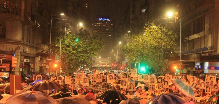 El ancho paraguas del Pueblo – 24a Marcha del Silencio