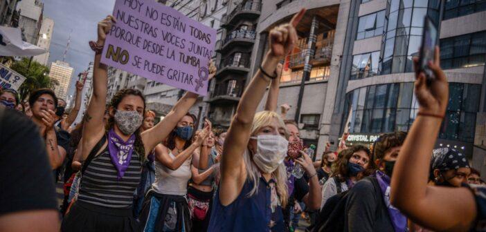 En las calles, por la eliminación de la violencia contra la mujer. Crónica y Fotogalería